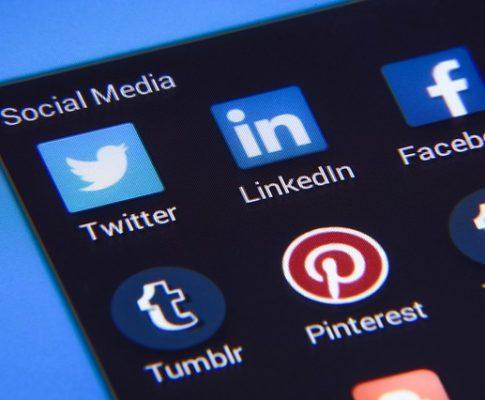 Social media marketing through Facebook